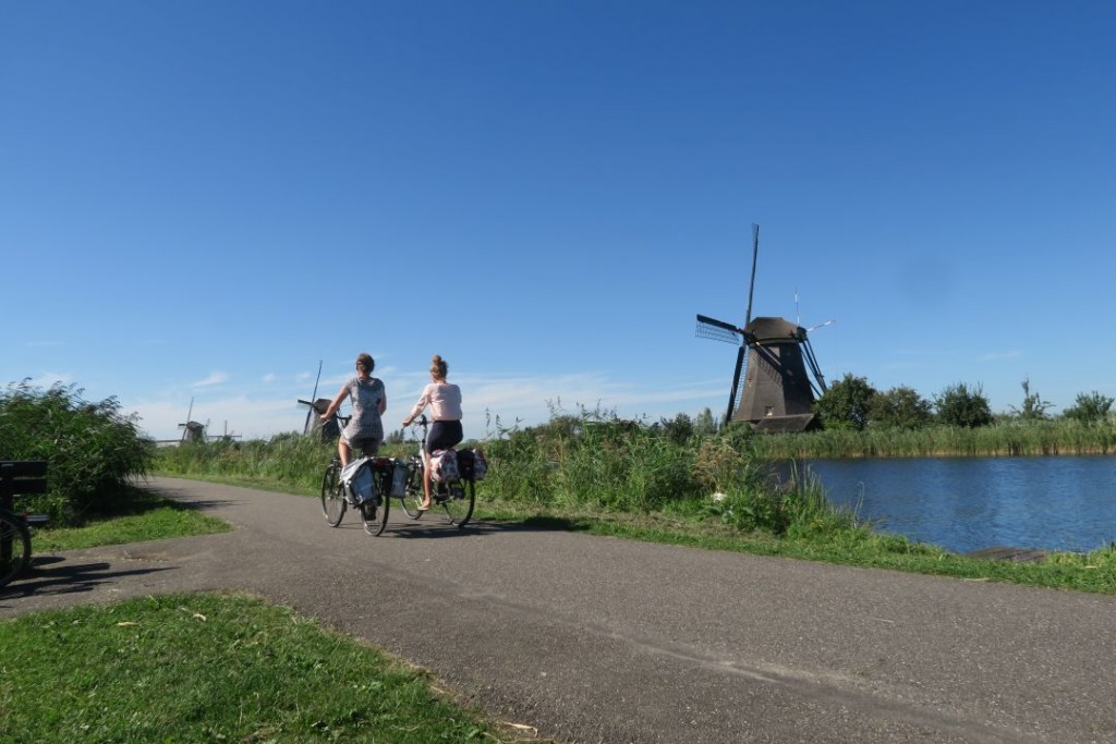 biking_in_kinderdijk_windmills009