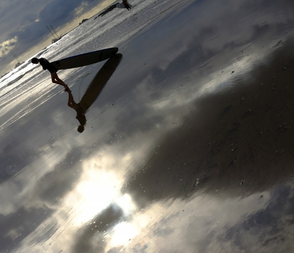 tamarindo_surfer_reflection1